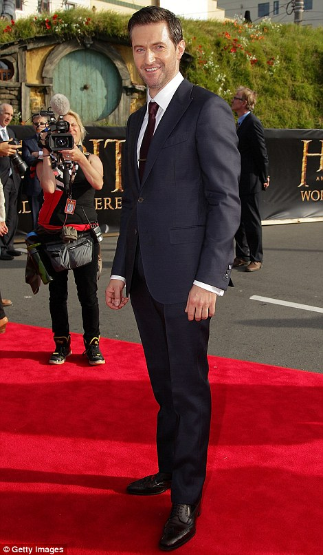Richard Armitage, red carpet look, world premiere of The Hobbit: An Unexpected journey, Wellington, November 27, 2014. Ermengildo Zegna made the suit -- still one of his best looks ever.