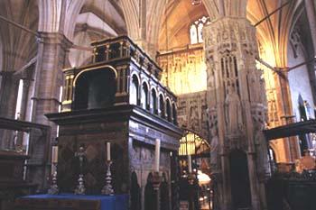 gal_church_ed_confessor_tomb