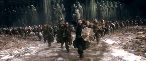 Thorin Oakenshield (Richard Armitage) leads the dwarves as they seek to rally the defenders of Erebor in The Hobbit: The Battle of the Five Armies. Screencap.