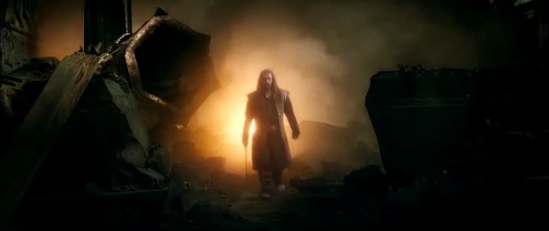 Thorin Oakenshield (Richard Armitage) rejoins the company to ask them to fight one last time, in The Hobbit: The Battle of the Five Armies. Screencap.