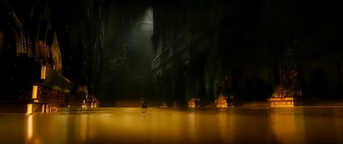 Thorin Oakenshield (Richard Armitage) casts off his grandfather's crown, in The Hobbit: The Battle of the Five Armies. Screencap.