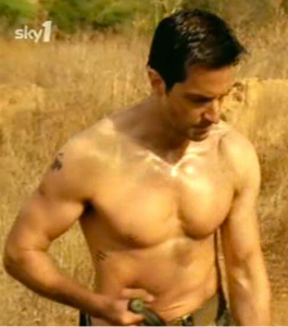 Worked out until he vomited to achieve the John Porter look: Richard Armitage as Porter in Strike Back 1.4. Source: RichardArmitageNet.com