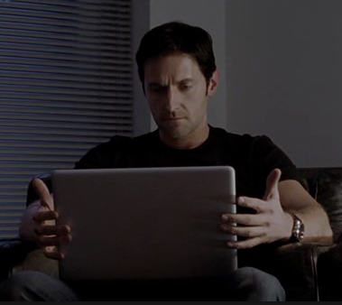 Lucas North (Richard Armitage) seeks information about Maya in Spooks 9.2. Cap.