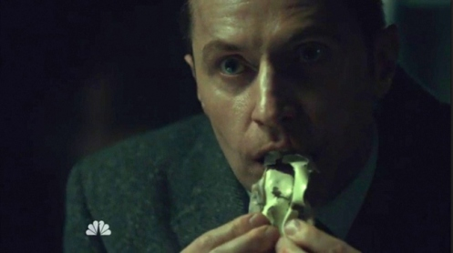 Francis Dolarhyde (Richard Armitage) eats the Blake watercolor, in Hannibal 3.10. Screencap.