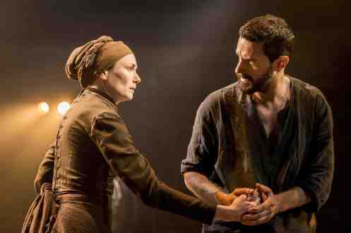 Richard Armitage and Anna Madeley in The Crucible (2014).